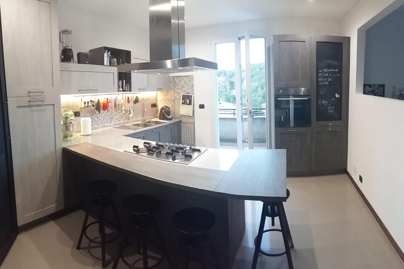 Cucina valerio frignano design for Cucine piano cottura centrale